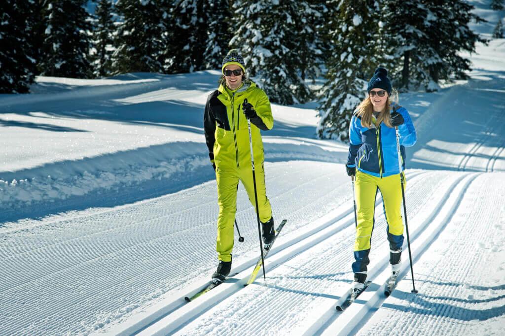 Kā izvēlēties distanču slēpes
